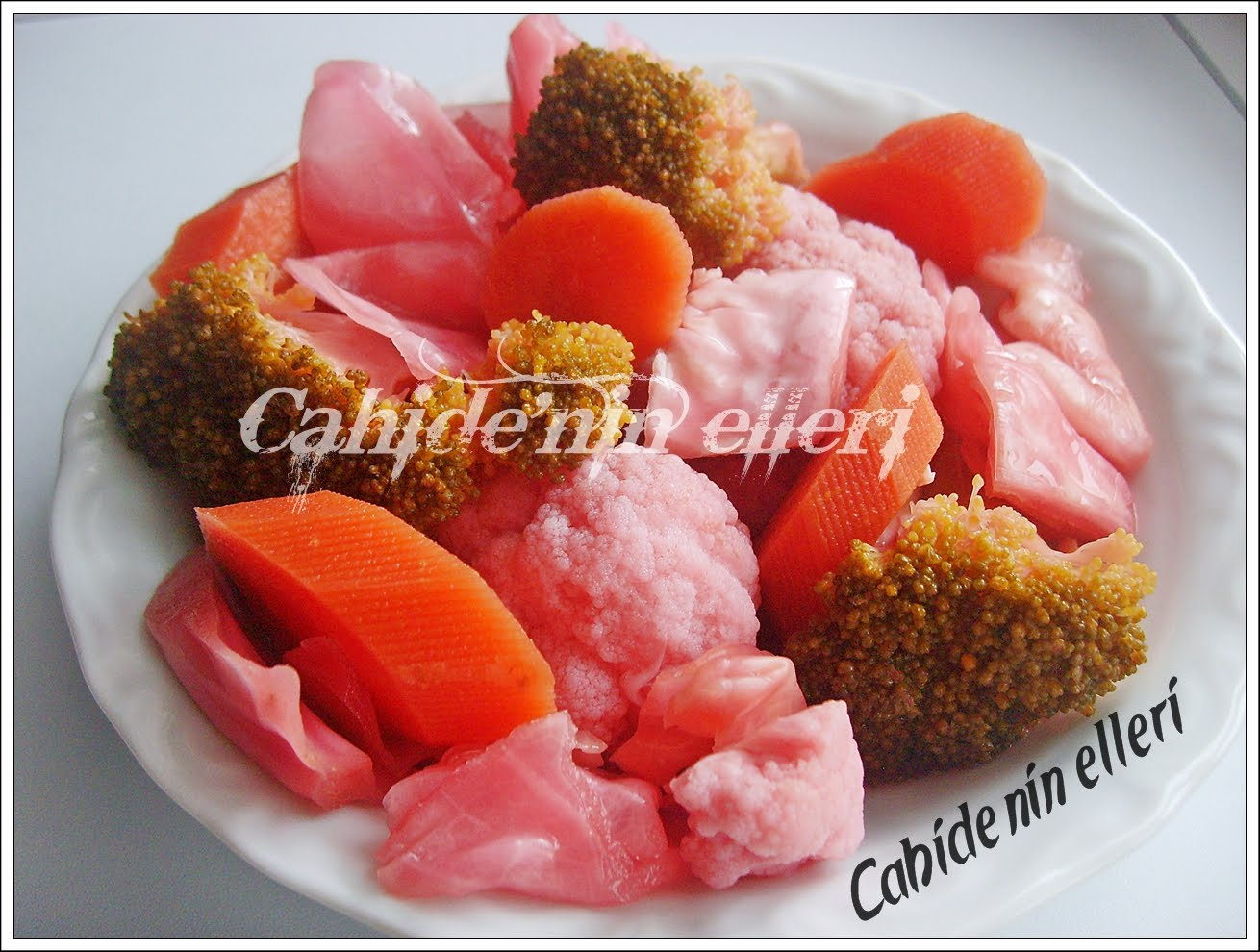 Kırmızı lahanalı turta tarifi