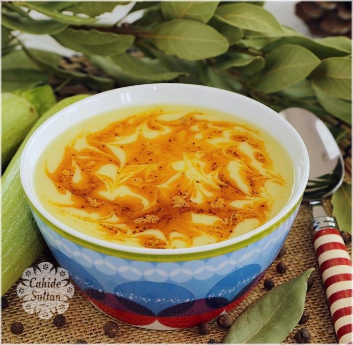 yogurtlu-kabak-corbasi